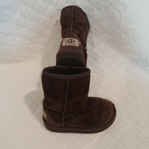 🐨size 8 toddler chocolate ugg boots🐨